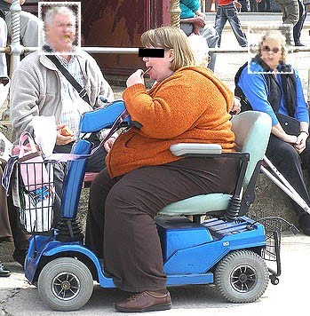 fat_woman_on_scooter_31238072543-2