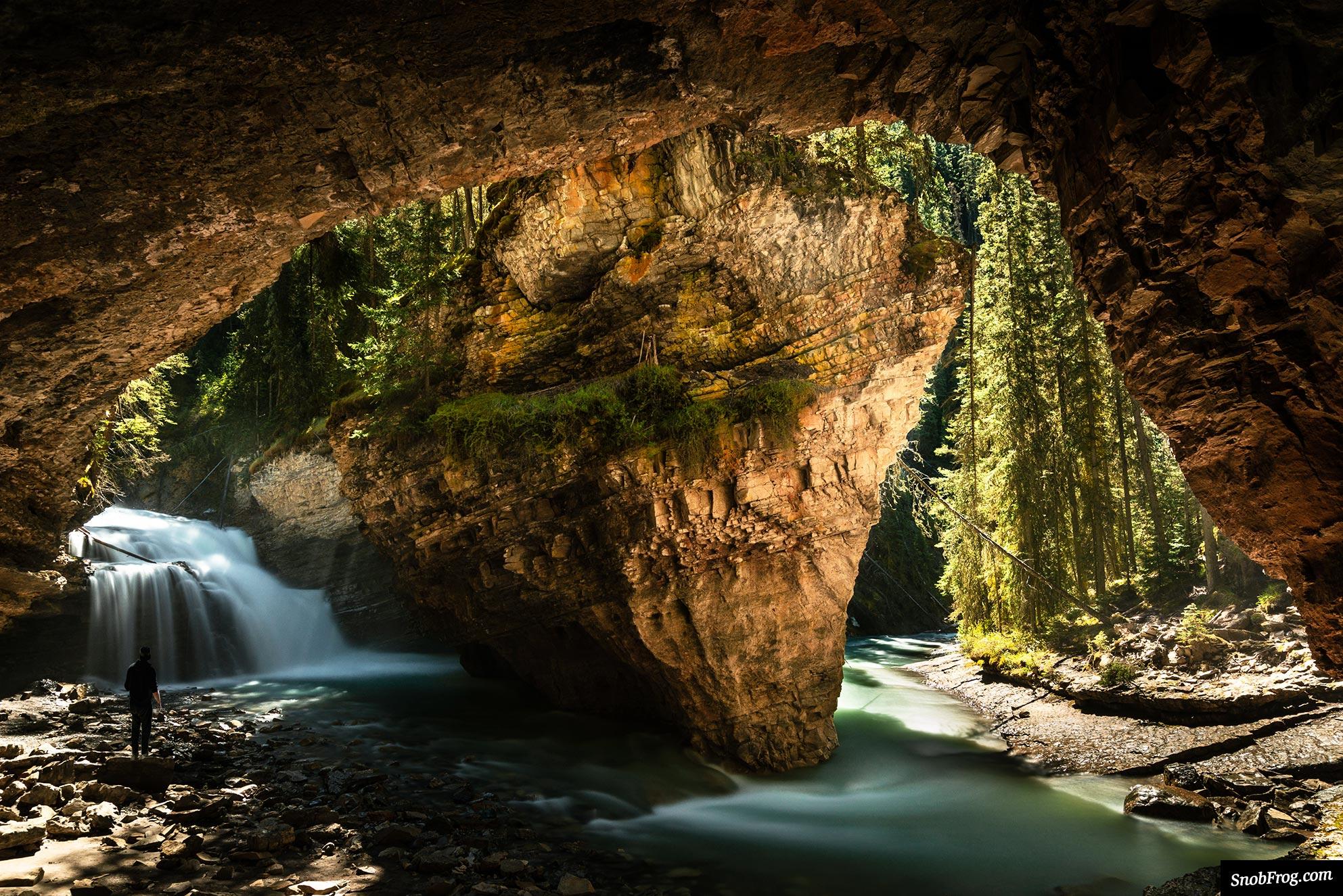 DSC_4331_johnston_canyon_secret_cave